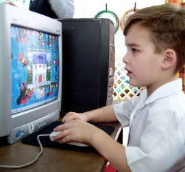 Дитина та комп'ютер